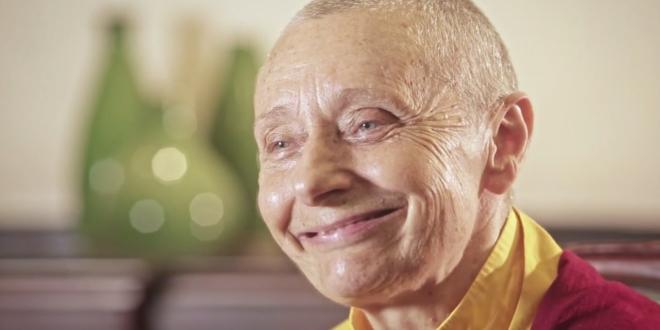 Buddhistische Nonne erklärt den Unterschied zwischen aufrichtiger Liebe und Anhänglichkeit