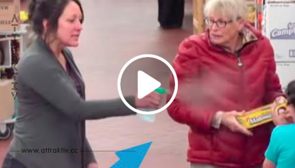 Wütende Mutter besprüht ihre Kinder mit Wasser – daraufhin macht diese Fremde das einzig Richtige!