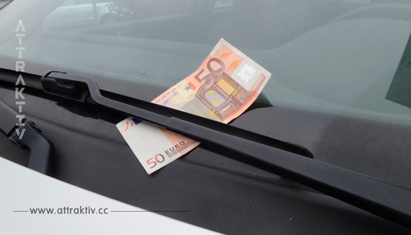 Autofahrer sollten sich vor Geldschein Trick der Autodiebe in Acht nehmen.