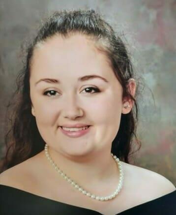 17 jähriges Mädchen stirbt bei einem heftigen Unfall: Kommissare durchsuchen das Wrack und machen entsetzliche Entdeckung