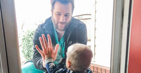 Herzzerreißende Aufnahme: Foto zeigt Wahrheit über Corona-Alltag von Krankenhauspersonal