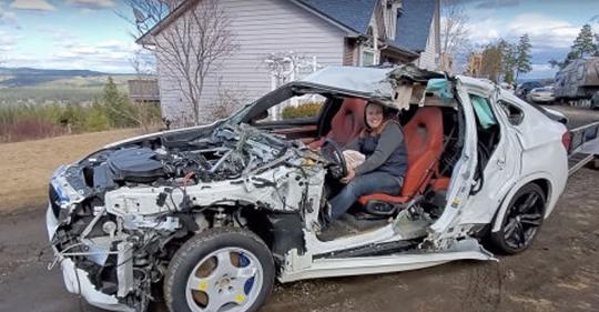 Mann schenkt seiner Frau 'neuen' kaputten BMW zur Baby-Party