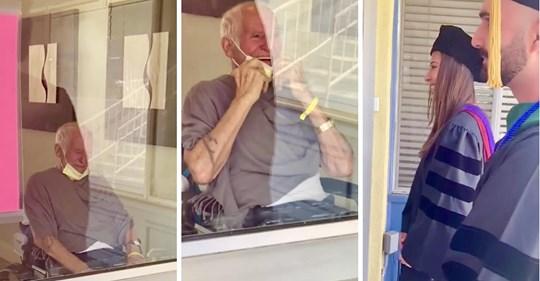 Der einsame Opa im Pflegeheim blickt aus dem Fenster und sieht Enkelkinder, die ihn in Mütze und Gewand erschrecken