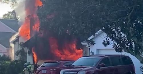 Es war unglaublich  Paketbote rennt in brennendes Haus, um alten Mann zu retten