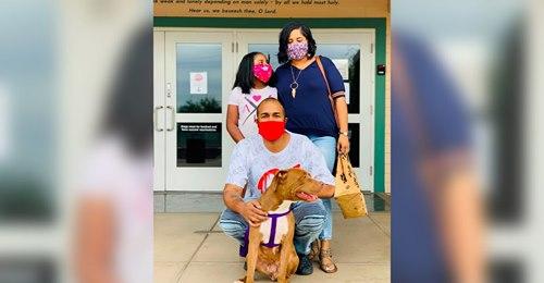 Tierisch glücklich Hund findet nach 400 Tagen im Tierheim endlich ein Zuhause