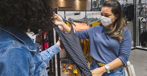 Chaos um neue Regeln Bei Zara und H&M brauchst Du jetzt einen negativen Test