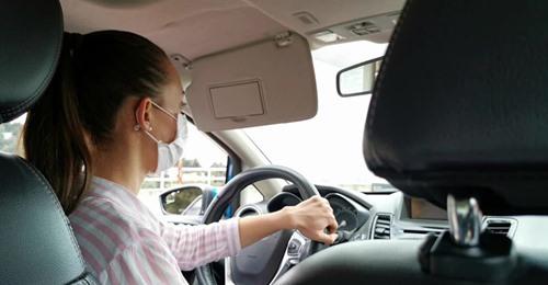 Achtung Bußgeld! Diese Verstöße beim Autofahren kommen dich teuer zu stehen