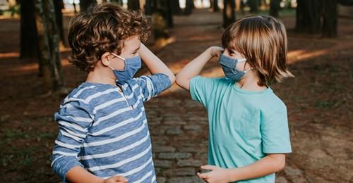 Generation Corona  Expertin klärt auf: Warum die Pandemie für Kleinkinder eine  normale  Zeit ist