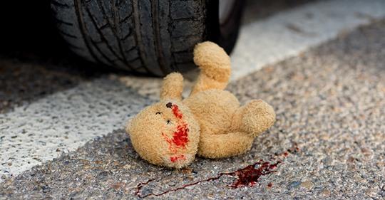 Essen: Auto fährt Zwillinge (4) auf Straße an, beide werden schwer verletzt – Fahrer flüchtet, Polizei sucht Zeugen