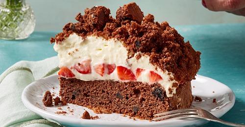 Oreo-Maulwurf-Kuchen mit Erdbeeren