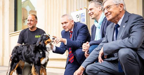Erstmals in Deutschland sollen Hunde jetzt erschnüffeln, wer Corona hat